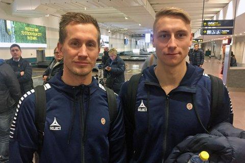 Morten Gamst Pedersen (t.v) og Ulrik Yttergård Jenssen (t.h) på Arlanda i Stockholm fredag ettermiddag. De danner trolig TILs sentrale midtbaneduo mot Djurgården lørdag. Se kampen på nordlys.no.