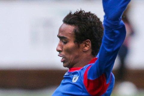 Mohammed Ahamed Jama håper på det beste etter å ha pådratt seg en vridning i kneet i kampen mot Bodø/Glimt søndag.