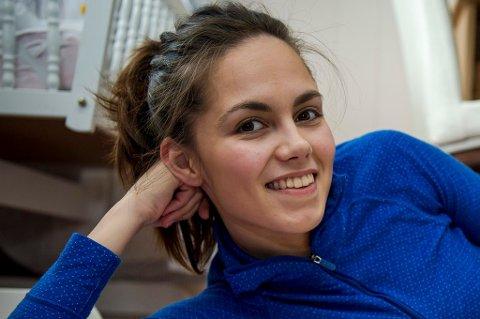 Katrine Goncalves Pedersen har ishockey som sin store lidenskap, og spiller med Tromsø Hockey i eliteserien. Det merkes på økonomien.