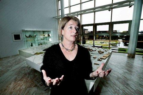 FORTSETTER ARBEIDET: Styret ved Universitetet i Tromsø vedtok mandag videre utredning av framtidig organisering av fakultetene ved universitetet. Her er rektor og styreleder Anne Husebekk.