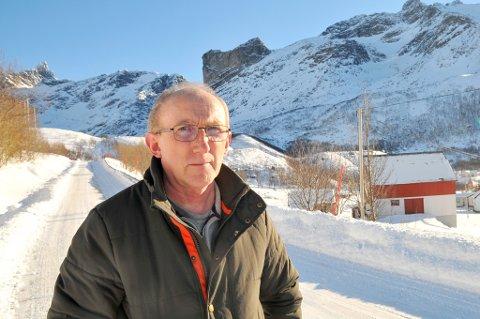 UFRIVILLIG HJELPER: Hver vinter må Kåre Martinsen trå til et titalls ganger for å hjelpe turister i nød i fjellet over Rekvik. Det er ikke mobildekning i området.