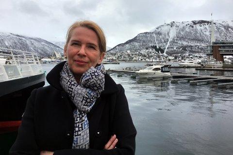 MER NORD: Kunstsosiolog Kristin Josefine Solstad i Kunstsentralen Nord mener at man må benytte seg mer av kunstkompetansen i nord - både når det gjelder det offentlige, og på de større visningsarenaene som finnes her.