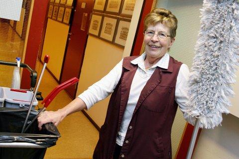 LIKE FRISK: Laila Hansen (77) sier aldri nei når vaskejobben kaller.