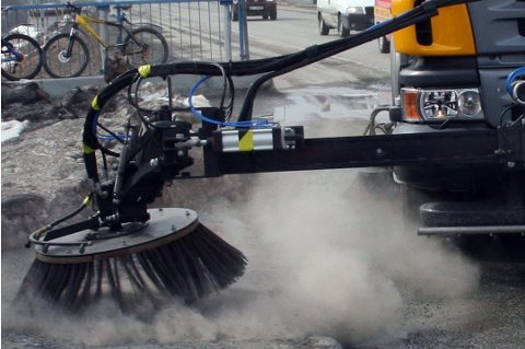 STØV-KILDE: Veistøv er hovedkilden til svevestøv i Tromsø, ifølge Miljødirektoratet.