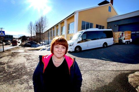 Stine Haldorsen og Stein Sørensen persontransport må ut av meieri-lokalene i Tromsø. Foto: Stian Saur