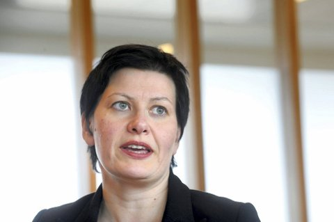 SIER NEI: Finnmarkingen Helga Pedersen er kommunalpolitisk talskvinne for Arbeiderpartiet. Hun sier at AP ikke vil gjennomføre sammenslåingen av Troms og Finnmark dersom de vinner valget.