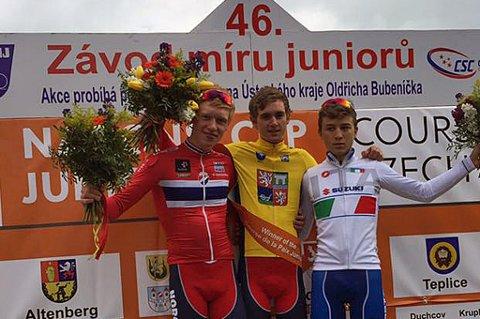 Tromsøgutten Andreas Rikardsen Leknessund (t.v) ble i helgen nummer to sammenlagt i Fredsrittet i Tsjekkia, det mest prestisjefylte internasjonale sykkelrittet for juniorer.