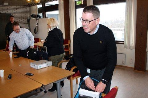 GRANSKER: Roger Hanssen i kontrollutvalget i Lenvik leder rådmannsgranskingen.