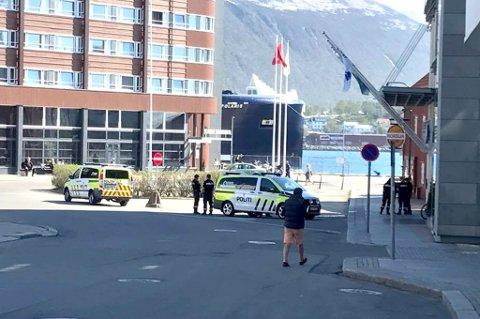 FORFLYTTET SEG: Slosskampen skal ha startet ved Stortorget, før de involverte flyttet seg sørover til området rundt SAS-hotellet/Ishavshotellet.