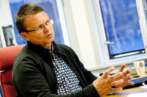 PÅ BANEN: Knut Bjørklund, leder i Troms idrettskrets, ber Tromsø Ryttersportsklubb om å utsette det planlagte, ekstraordinære årsmøtet i slutten av juni. Han frykter at konfliktnivået i klubben er så høyt, at det bare vil virke ødeleggende.