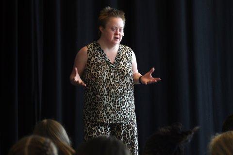 ENGASJERT: Marte Wexelsen Goksøyr holdt åpningstale for årets NUK++-deltakere. Ungdomskulturfestivalen har 25-årsjubileum i år.