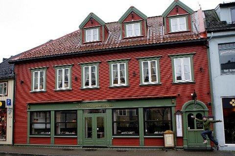 VIL BLI STØRRE: Emmas Drømmekjøkken opplever stor pågang og vurderer nå å utvide sine lokaler i Kirkegata 8. Foto: Yngve Olsen Sæbbe