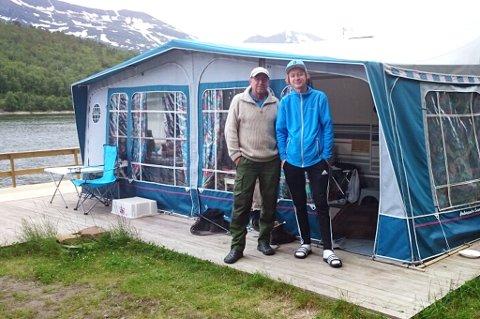 FISKETUR: Robin Karlsen og sønnen Vegard Karlsen bruker ferien på fiske i Salangen. De har aldri tidligere opplevd tyveri på campingplassen. Foto: Privat