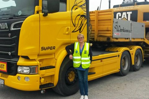 VANSKELIG: Kari Workinn, fylkesleder i Norges Lastebilforbund, er oppgitt over toalettforholdene langs veiene i Troms.