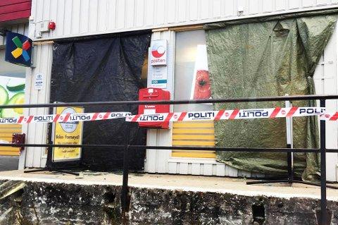 Slik ser fasaden ut hos Prix Olsborg etter innbruddet. Foto: Kristin Medby Johannessen