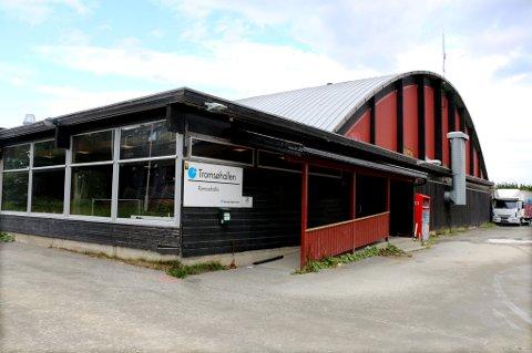 NARKOTIKA: I en skog ved Tromsøhallen gjemte kvinnen amfetamin. På et senere tidspunkt dro kjæresteparet til Tromsø for å hente amfetaminen.