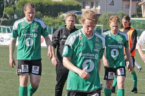 USIKKER FREMTID: Dersom FIL ikke holder seg i 2. divisjon kan flere spillere forsvinne. En av de er Tom Erik Bang Kristiansen (nærmest), som er på utgående kontrakt.