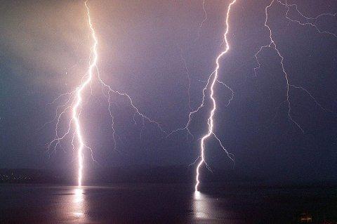 UVÆR: Værvarslinga i Tromsø sier at det kan komme mer lyn og torden i Troms fremover.