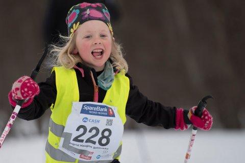 SKIGLEDE: Ingrid Haugen Stikbakke i aksjon under fjorårets onsdagsrenn. Onsdag denne uka skal det første av vinterens ni renn arrangeres i Tromsdalen, men spørsmålet er om det er for kaldt til å starte skifesten.
