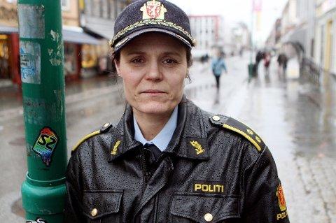 TILBAKEHOLDNE: Politiet, her ved politistasjonssjef Anita Hermandsen i Tromsø, er svært tilbakeholdne med detaljer om sedelighetsetterforskningen mot en profilert samfunnstopp fra Troms.