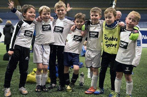 Kvaløya Sportsklubb organiserer sin aktivitet på en annen måte enn andre idrettslag i Tromsø. De ansvarliggjør hvert enkelt lag for egen økonomi. Her klubbens G09-lag.