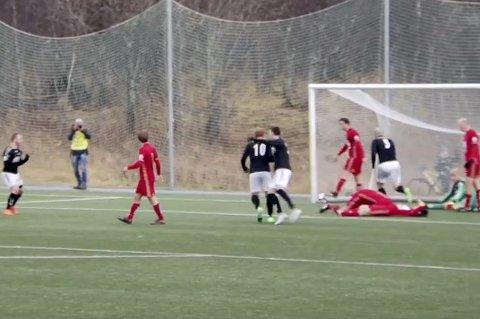 UTLIGNING: Over tre minutter på overtid sørget Sondre Flaat for 3-3-scoringen som gjorde at Skarp klatret til trygg plass på tabellen.