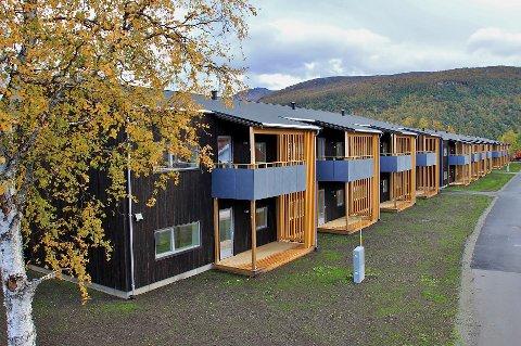 STRØKENT: Slik ser de nye familieboligene på Setermoen ut etter halvannet års byggetid.