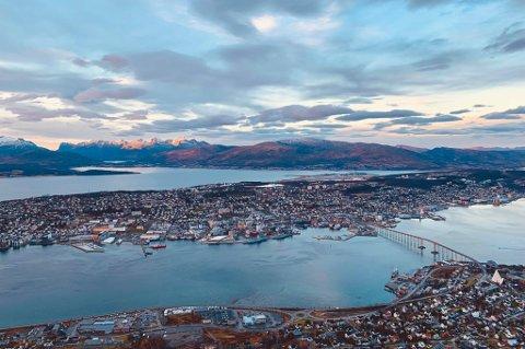 Tromsø sett fra Fjellheisen 10. november.