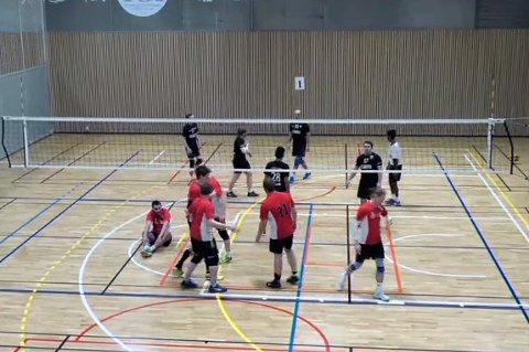 Øksil i rødt gikk seirende ut av finalen mot Sortland.