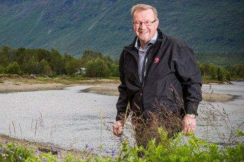 DØD: Sigmund Steinnes har gått bort, kun 59 år gammel. Den tidligere Storfjord-ordføreren minnes som et samfunnsmenneske med stort engasjement.