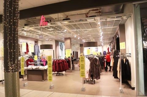 OPPHØRSSALG: Kleskjeden PM har ikke klart å finne nye kjøpere. De to butikkene i Tromsø (her fra Jekta), stenger denne uka.