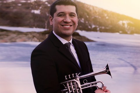 SOLIST: Trompetist Pacho Flores valgte NOSO som symfoniorkester da han skulle gi ut plate på prestisjetunge Deutche Grammophon. Nå spiller de konserter sammen i Tromsø, Bodø og Amsterdem.