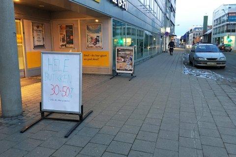 STENGES: Frem til lørdag 24. febraur skal butikken tømmes før varer. Så starter arbeidet med utvidelsen. Foto: Birgitte Jørstad Thoresen