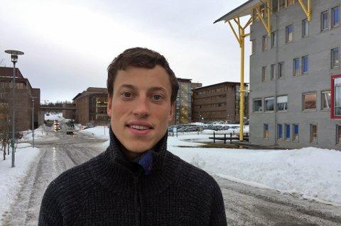 NORDNORSK SYKKELPROFF: Odin Foldvik Eikeland, som til daglig bor og studerer i Tromsø, blir nordnorges andre sykkelproff. Altaværingen debuterer til helgen i Vuelta Murcia i Spania.