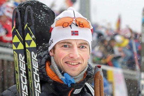 Alexander Os (38) vant Norgescuprennet i skiskyting på Voss lørdag.