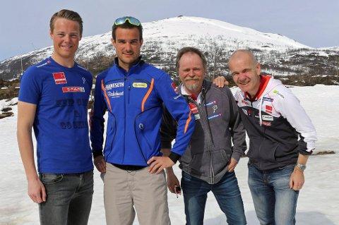 ØNSKET: Kristian Skogstad (nr to f.v) er ønsket med videre som trener for Torgeir Sulen Hovland (t.v) og Team Nord-Norge av styringsgruppa, som ledes av Per Oskar Andersen (nr tre f.v), der også landslagslkoordinator Ulf Morten Aune (t.h) sitter.