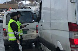 KONTROLL: Statens vegvesen holdt tirsdag en omfattende kontroll i Harstad.