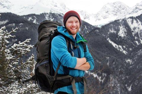 Linas Johan Hanssen Hauge skal gå 100 mil i Troms denne sommeren. Og på turen skal han samle inn penger til kreftforskning. Foto: Privat