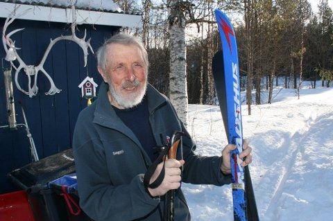 SKILYKKE: Hans Prestbakmo elsker å gå på tur ut i naturen.