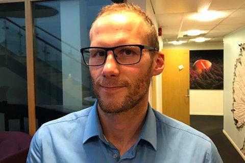 STORFINT BESØK: Rune Lange er innom i den ferskeste utgaven av vår fotballpodkast JoMos Kosmos. Her er det mye snacks om både Tyrkia, Belgia, England og Rosenborg.