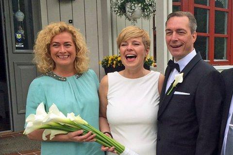BRUDEPAR: Hilde Sjurelv og Frank Bakke Jensen giftet seg i 2015. Marianne Telle var Sjurelvs forlover. Foto:Privat