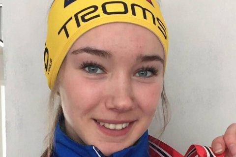 ÉN AV FIRE: Langrennsløper Ingrid Andrea Gulbrandsen var én av fire som ble utvalgt av juryen til å motta et idrettsstipend på 25.000 kroner fra Midnight Sun Marathon. FOTO: Privat.