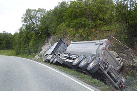 Her har lastebilen kommet utenfor veien. Foto: Nordlys-tipser