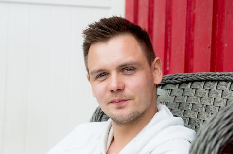 MESTRING: Å spille en rolle gir Kim Runar Klodiussen (25) en følelse av mestring. Da klarer han også å holde symptomene på Tourettes syndrom i sjakk.