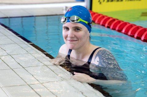 HOBBYSUKSESS: Ingrid Thunem har egentlig lagt opp som funksjonshemmet toppsvømmer, men vant det hun stilte opp på under langbane-NM i Oslo. Drømmen om Paralympics har hun likevel blitt nødt til å legge fra seg.
