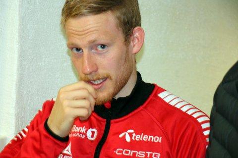 BEDRING: Gjermund Åsen tror han blir spilleklar mot Rosenborg lørdag. Det håper også Simo Valakari, som onsdag tar med seg 27-åringen på flyet til Værnes.