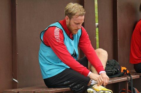 AVGJØRELSE LØRDAG: Gjermund Åsen og Simo Valakari vil vente helt til det siste med å vurdere om midtbanespilleren skal spille mot Rosenborg lørdag.