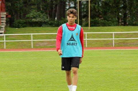 I TROPPEN: 17 år gamle Sigurd Grønli er i TILs tropp mot Rosenborg lørdag. Her fra fredagens trening i Stjørdal.