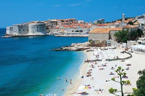 Gamlebyen i Dubrovnik i Kroatia er et populært reisemål for stadig flere. Foto: Apollo/ANB