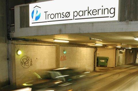APP-TRØBBEL: Tromsø parkering ber tromsøværinger med Apples Iphone om å bytte parkeringsapp.
